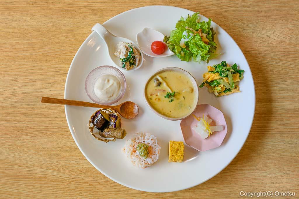 青梅・千ケ瀬の 「稀星」の前菜