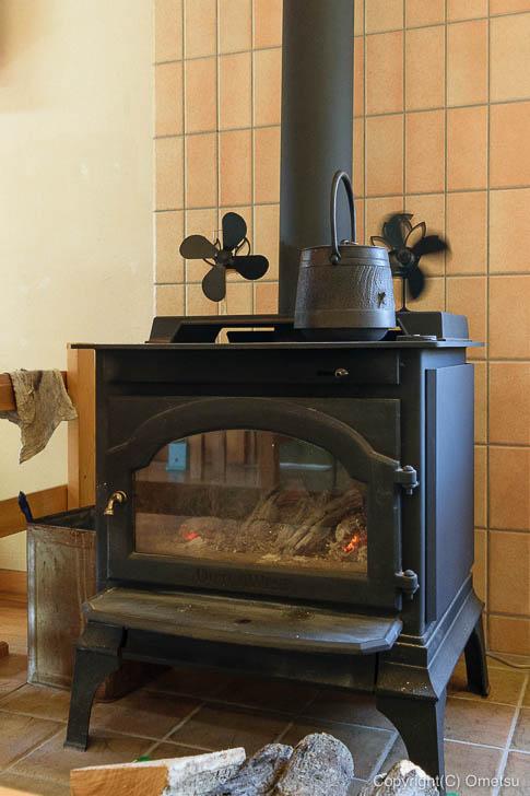 青梅市・内沼きのこ園の喫茶室「ぴるつ」の窯