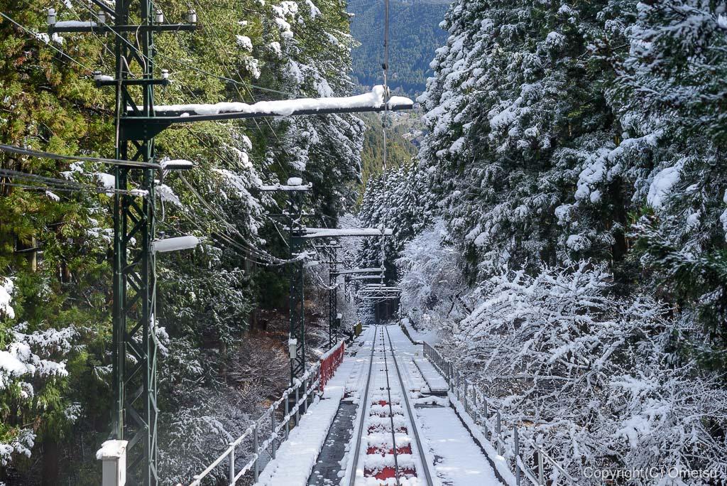 青梅市・御岳山の、ケーブルカー、雪景色