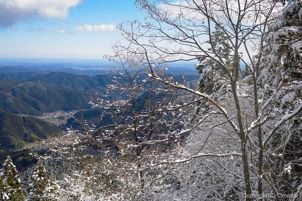 青梅市・御岳山の、ケーブルカーからの展望・雪景色