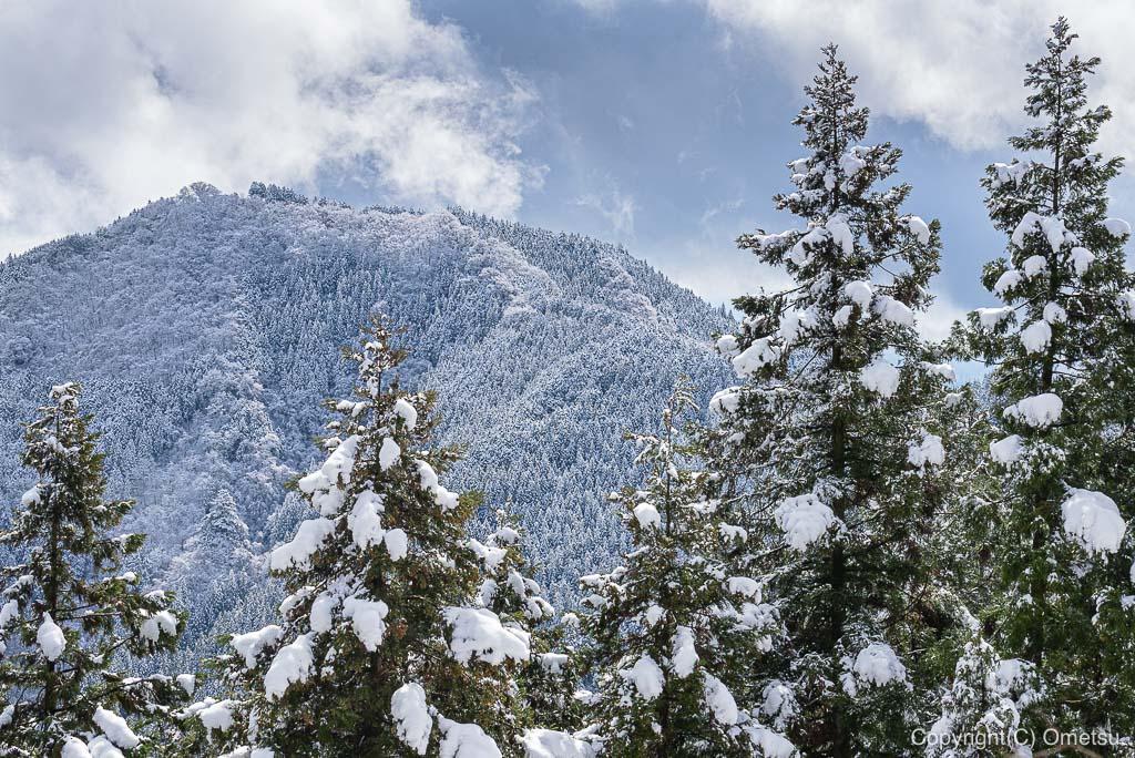 青梅市・御岳山から、日の出山の雪景色