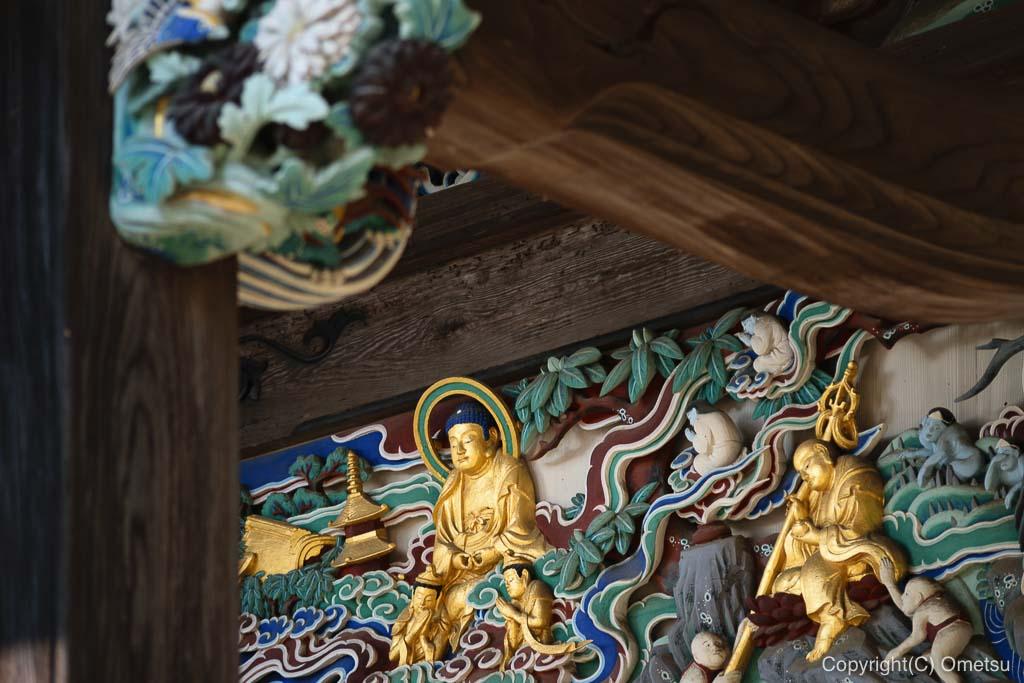 あきる野市・大悲願寺の、観音堂の堂宮彫刻