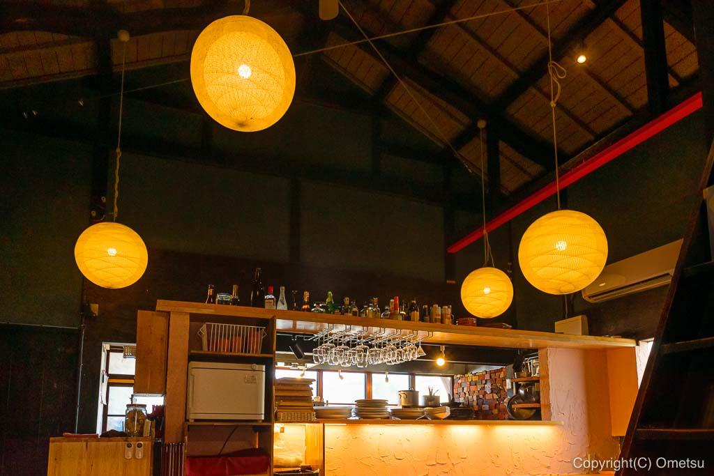 あきる野市・五日市イタリアン・レストラン、クイントの店内