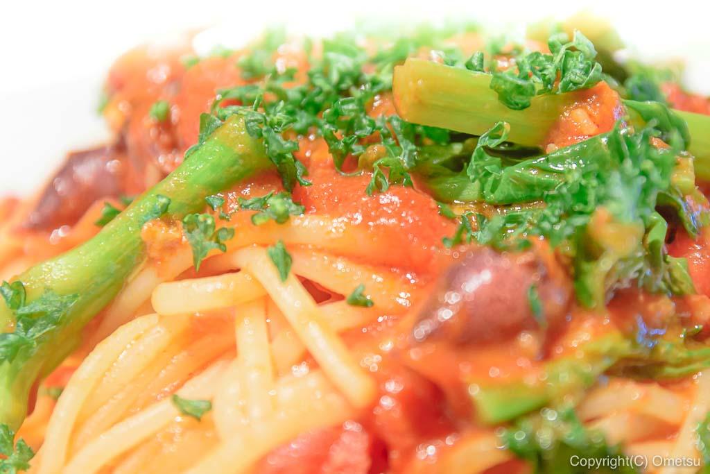 あきる野市・五日市イタリアン・レストラン、クイントの、のらぼう菜とホタルイカのパスタ