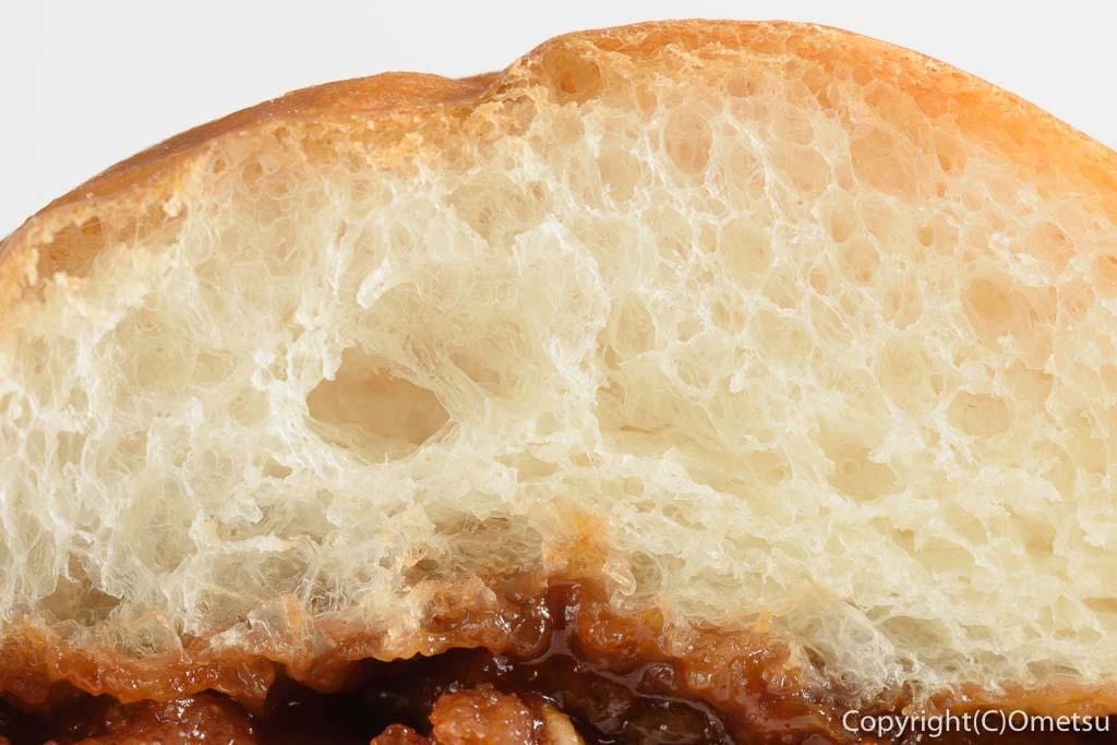 青梅・河辺のパン屋、ぱん吉のキャベツメンチのパン