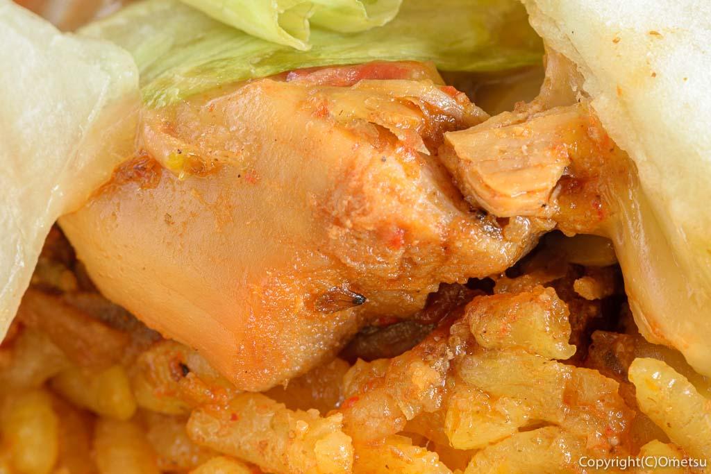 青梅・新町のキッチンカー、タコス屋SASUKEの、サルサタコスの鶏肉