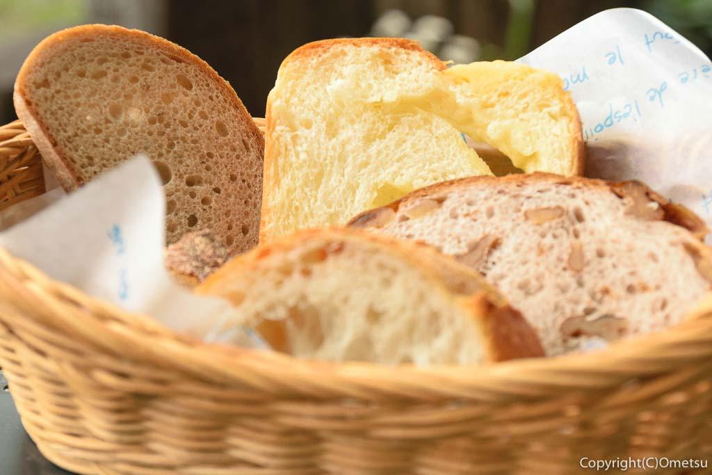あきる野のパン屋さん、ラ・フーガスのスープランチセットのパン盛り合わせ