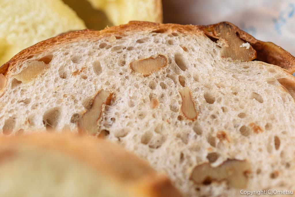あきる野のパン屋さん、ラ・フーガスのくるみパン
