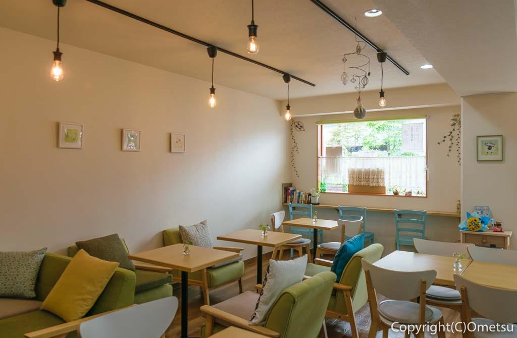 青梅のカフェ、Cafe Pecoraの店内