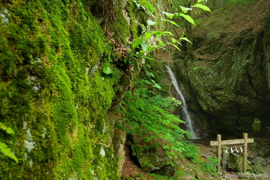 青梅・御岳山の綾広の滝