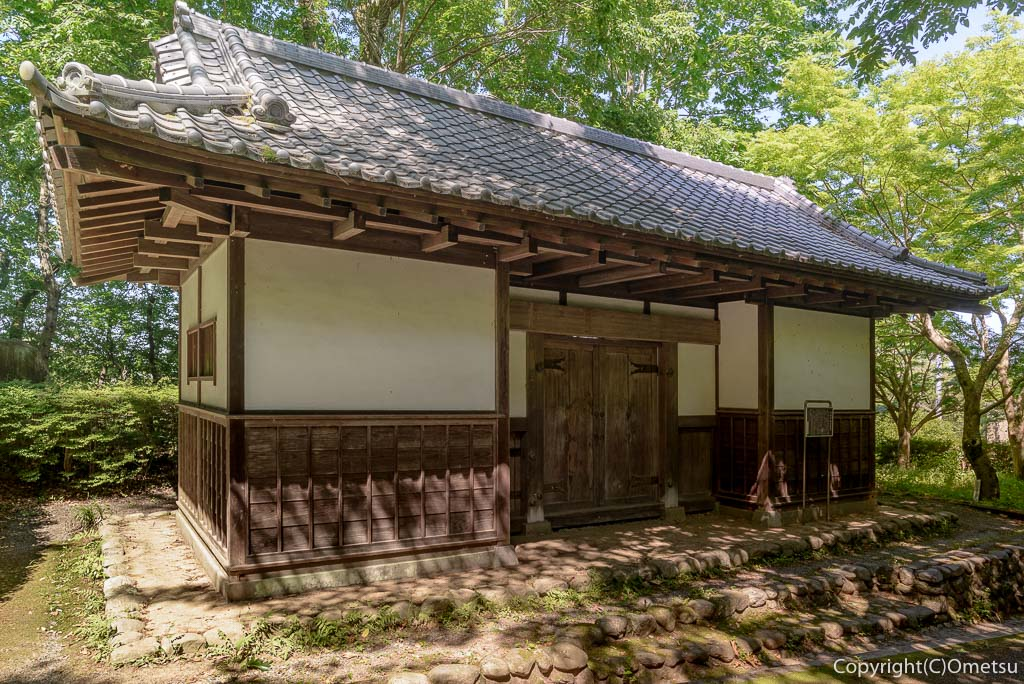 羽村市郷土博物館の旧田中家長屋門