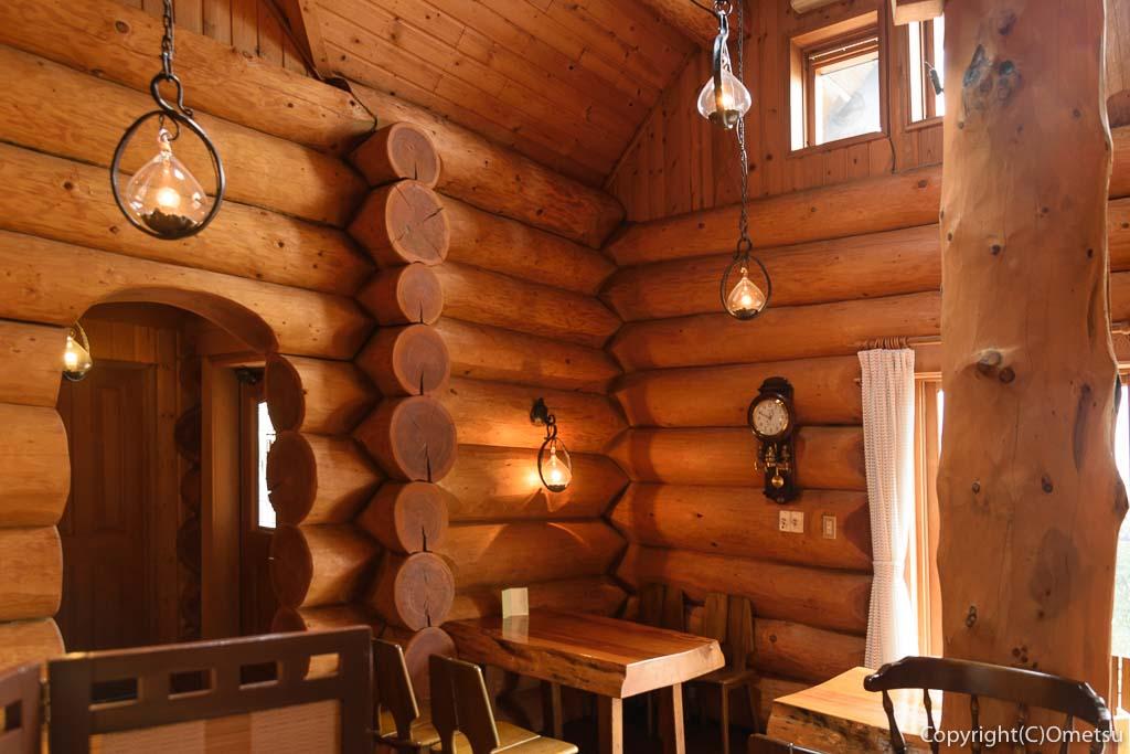 青梅・二俣尾のコーヒーハウス・らびっとの店内