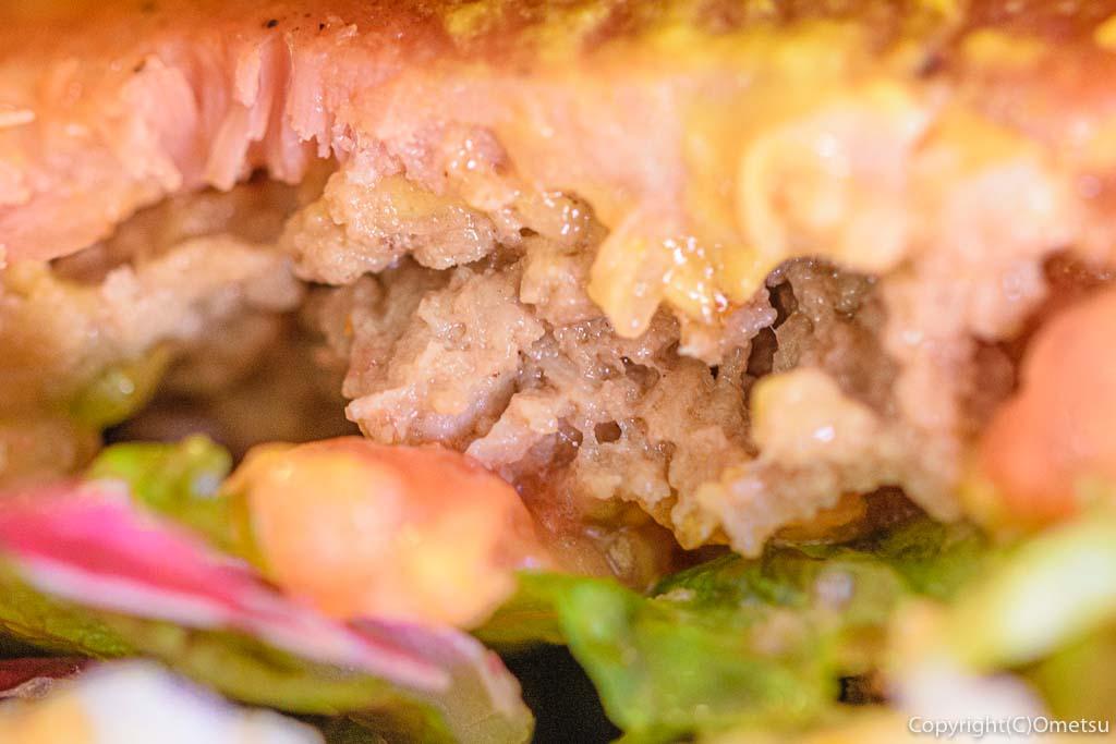 あきる野の、カフェモハベの、B.L.Tバーガーwithチーズ