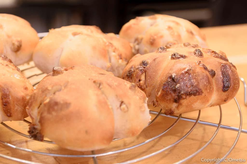 青梅市・御岳の、ベーカリー・レターのパン