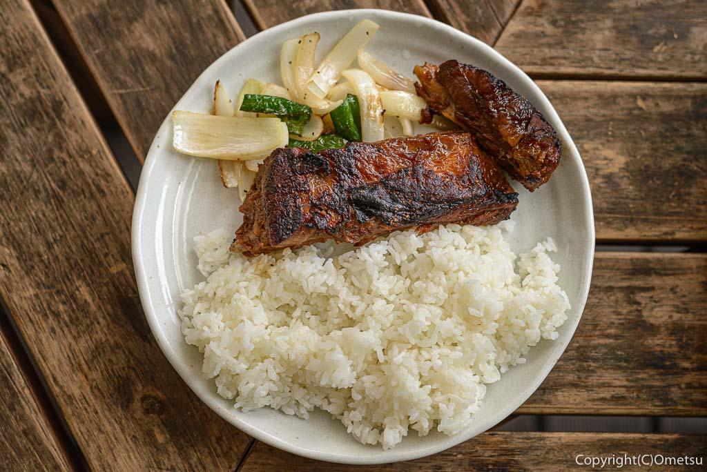 奥多摩町・日原の、食彩キッチン メイフライのスペアリブライス