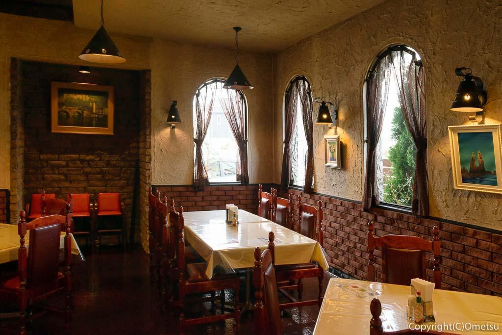 あきる野市の、イタリアンレストラン トリノの店内