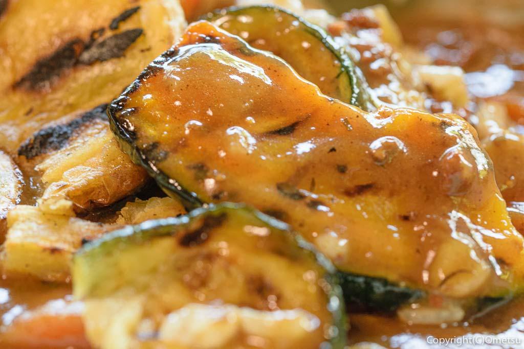 青梅市・沢井マウンテンカフェの、焼き野菜カレーの野菜