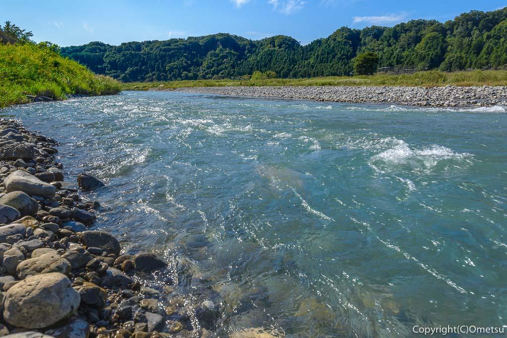 羽村市、武蔵阿蘇神社近くの、多摩川