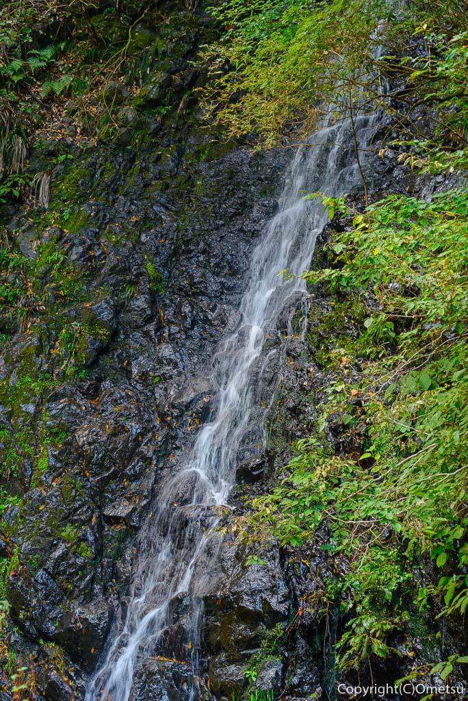 奥多摩むかし道の、不動の上滝