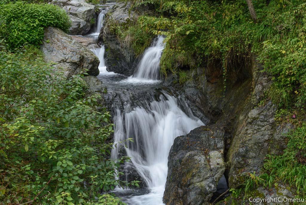 青梅市・上成木の、白糸の滝