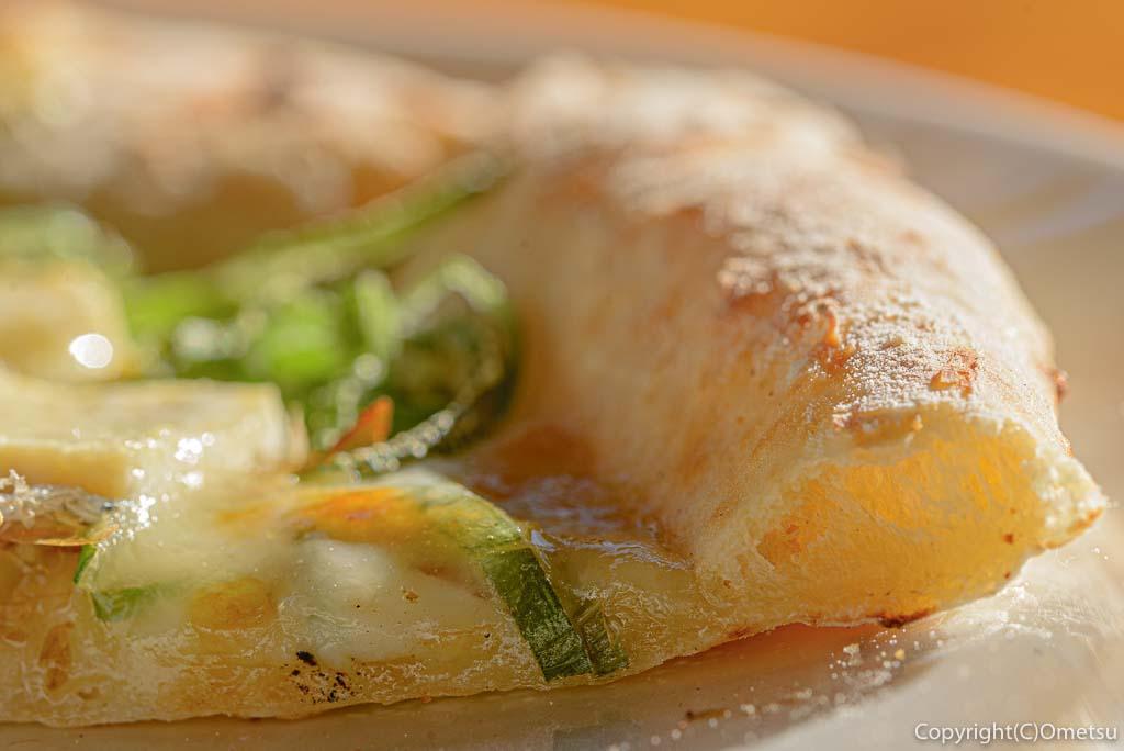 檜原村・笛吹の「たなごころ」のやっこピザのピザ生地
