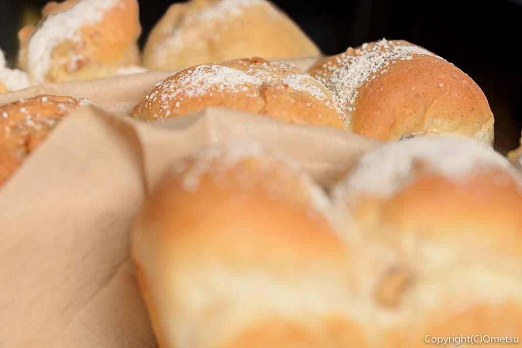 青梅市・日向和田の「おうちパン」の、くるみパン