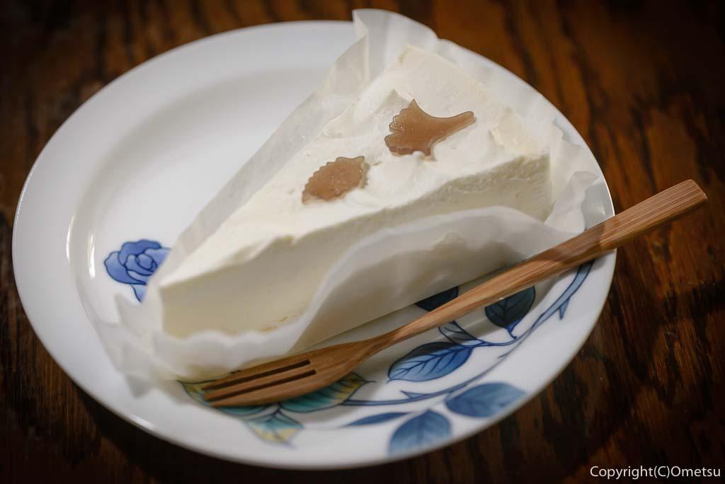 青梅市の、茶房ギャラリー木の花の、レアチーズケーキ