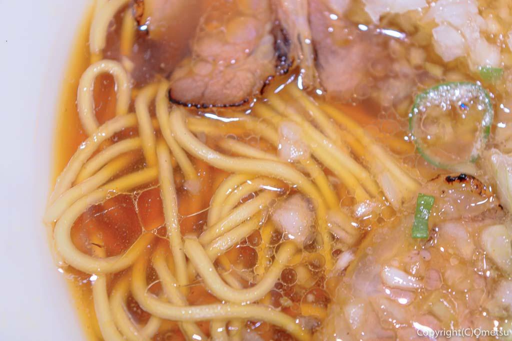 びんびん亭の麺