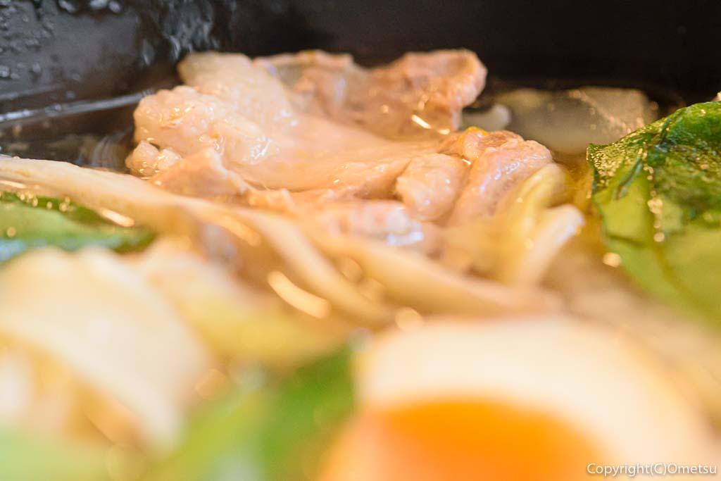 青梅市・河辺の幸泉の、カボチャほうとうの豚肉