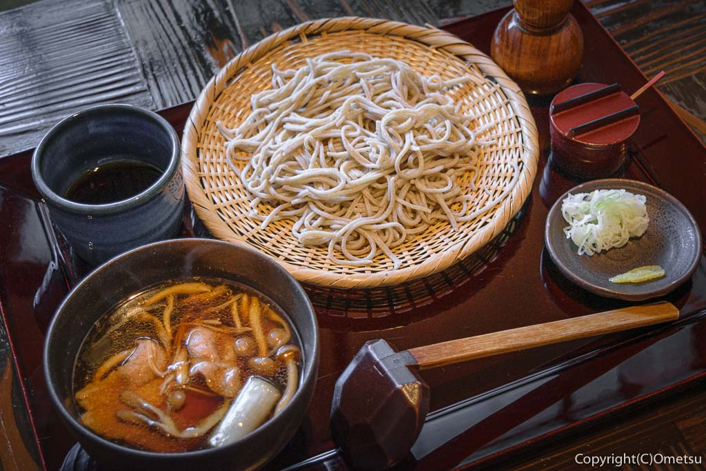 青梅・裏宿の蕎麦店、榎戸の、肉せいろ