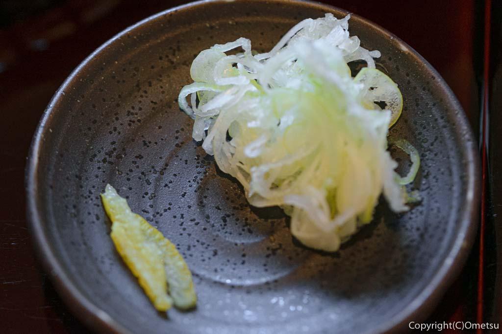 青梅・裏宿の蕎麦店、榎戸の肉せいろの薬味