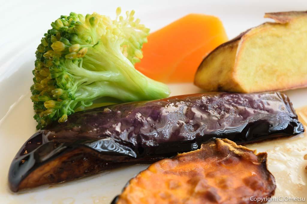 羽村市の欧風料理店、セレンディップの、付け合せの野菜