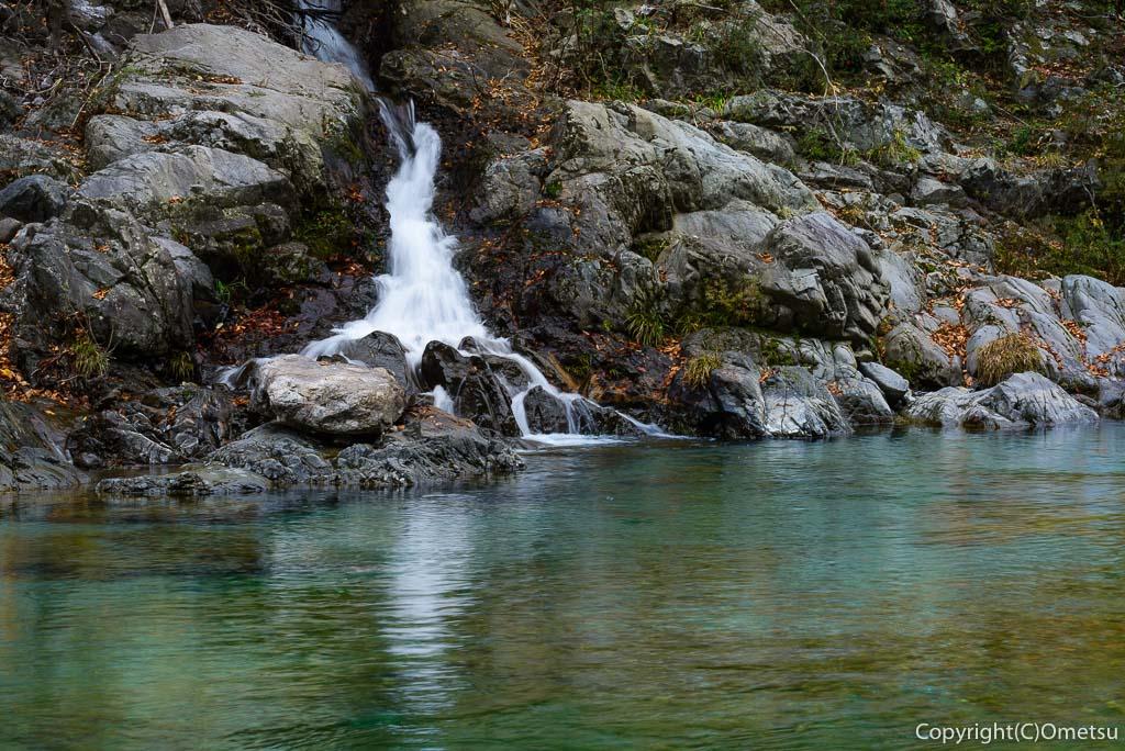 青梅市・御岳渓谷の小滝
