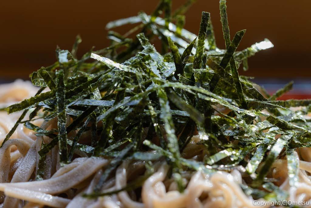 青梅市・御岳渓谷の、茶房ギャラリーついんくるの、ざるそばの海苔
