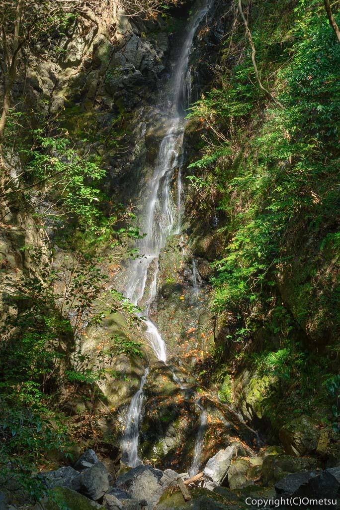 青梅市の、ブリヂストン奥多摩園の清竜の滝