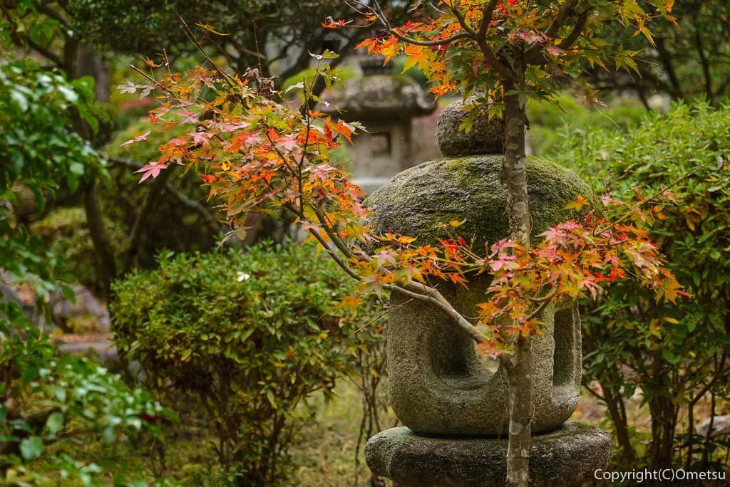 青梅・日向和田臨川庭園の石塔
