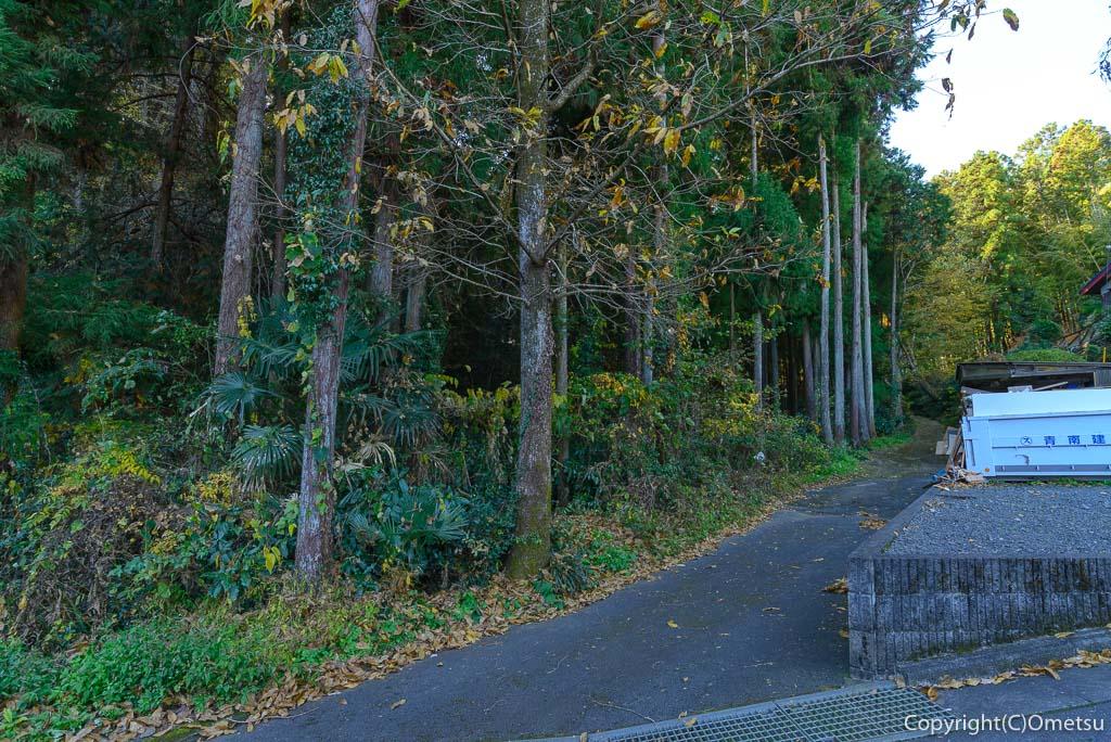 青梅・長渕の峠道の入り口