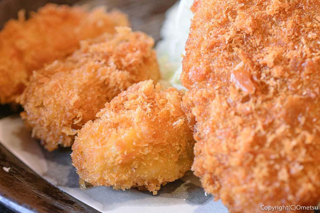 味里・青梅新町店の、カキフライとメンチカツの定食