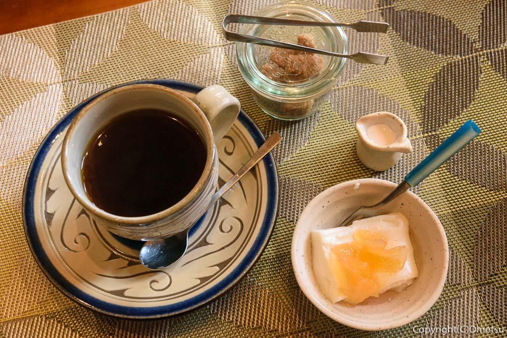 青梅市・河辺のカフェ チャーティーフォーの、コーヒーとデザート
