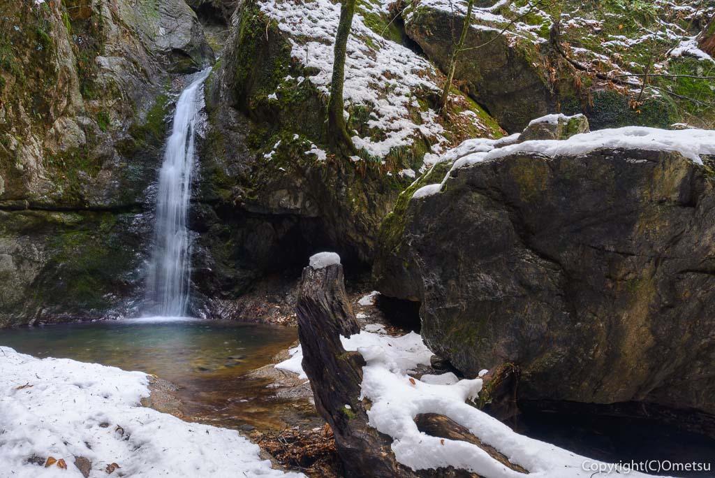 青梅市・御岳山の冬の七尾の滝
