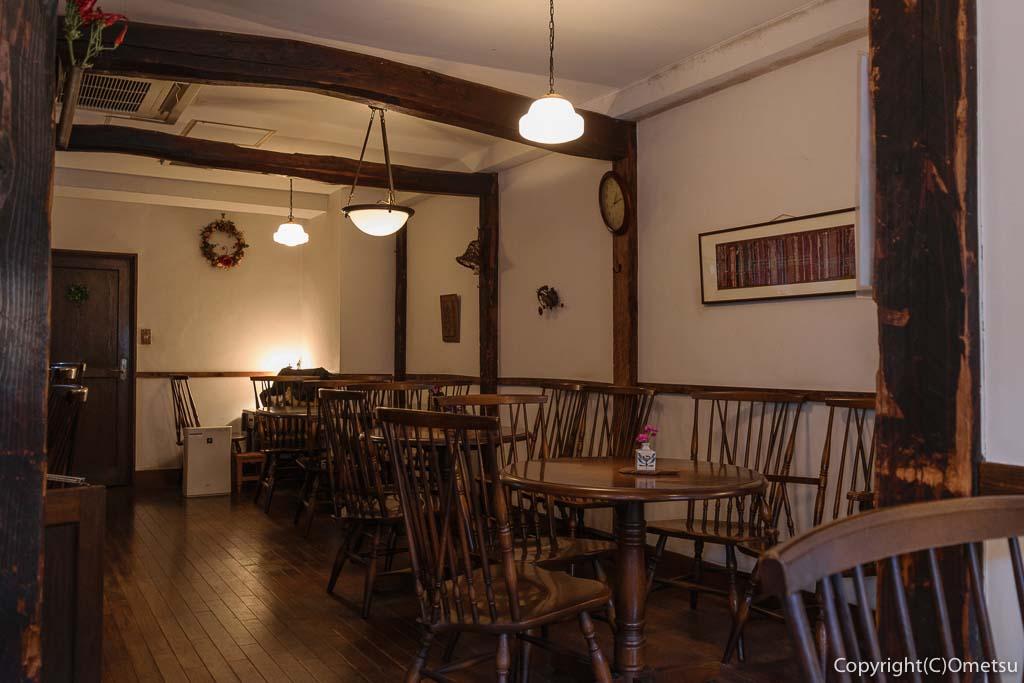 青梅のカフェ・ド・クラージュの店内