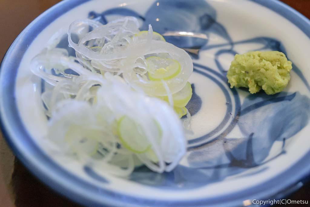 あきる野市・信州安曇野手打ち蕎麦 たか瀬の、せいろの薬味