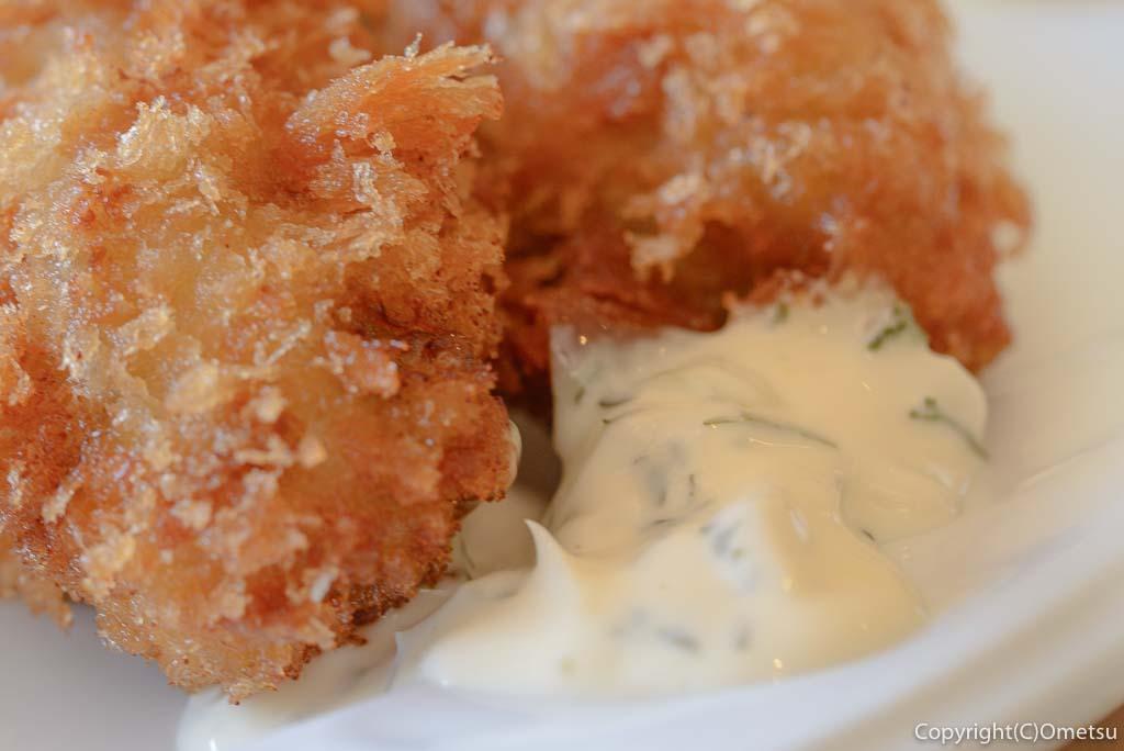 あきる野市・五日市の、洋食キッチン シオンの広島産カキフライのタルタルソース