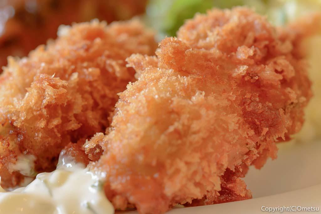 あきる野市・五日市の、洋食キッチン シオンの広島産カキフライ