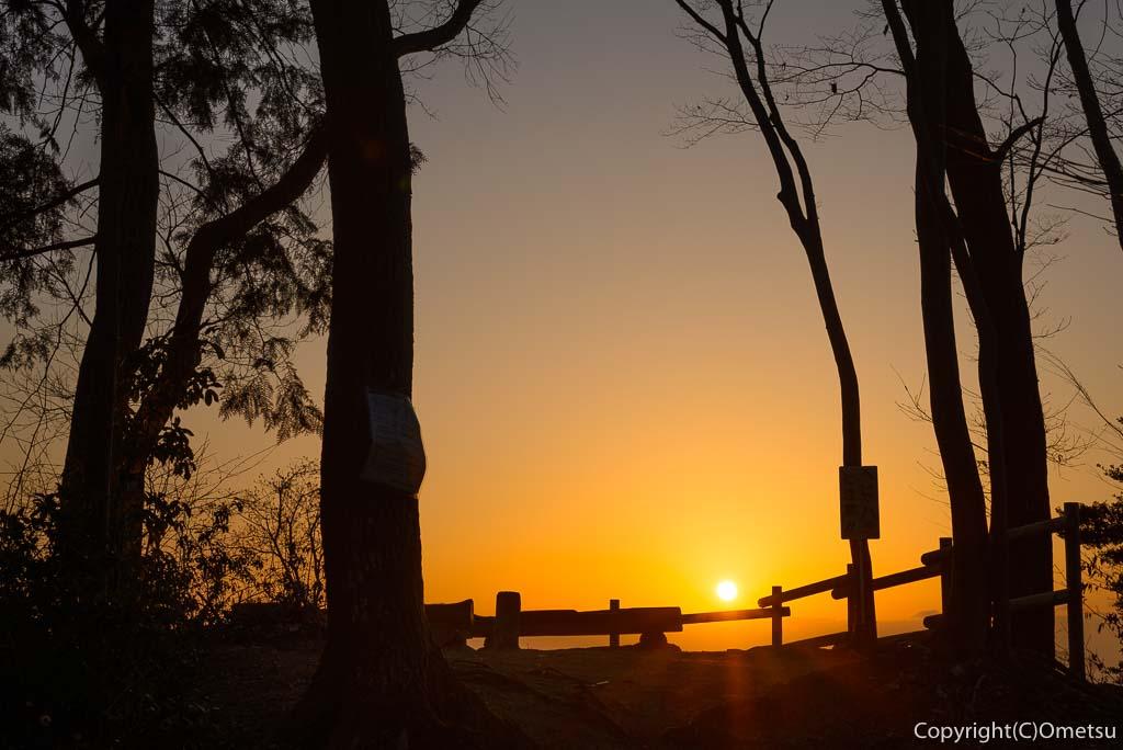 青梅市・永山丘陵・青梅の森からの日の出(朝日)