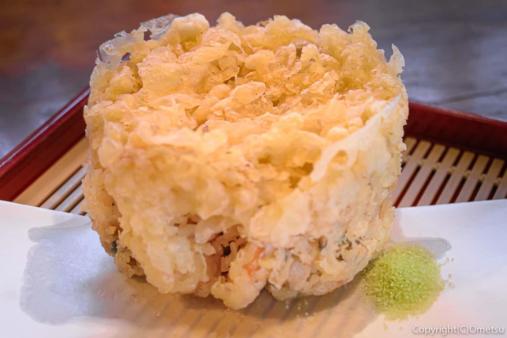 青梅市の蕎麦店・月与の童屋の、小海老と海の幸の、かきあげ