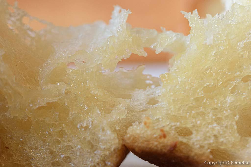 青梅市・新町のイタリアン、ピエモンテの冬季限定のガーリックトースト