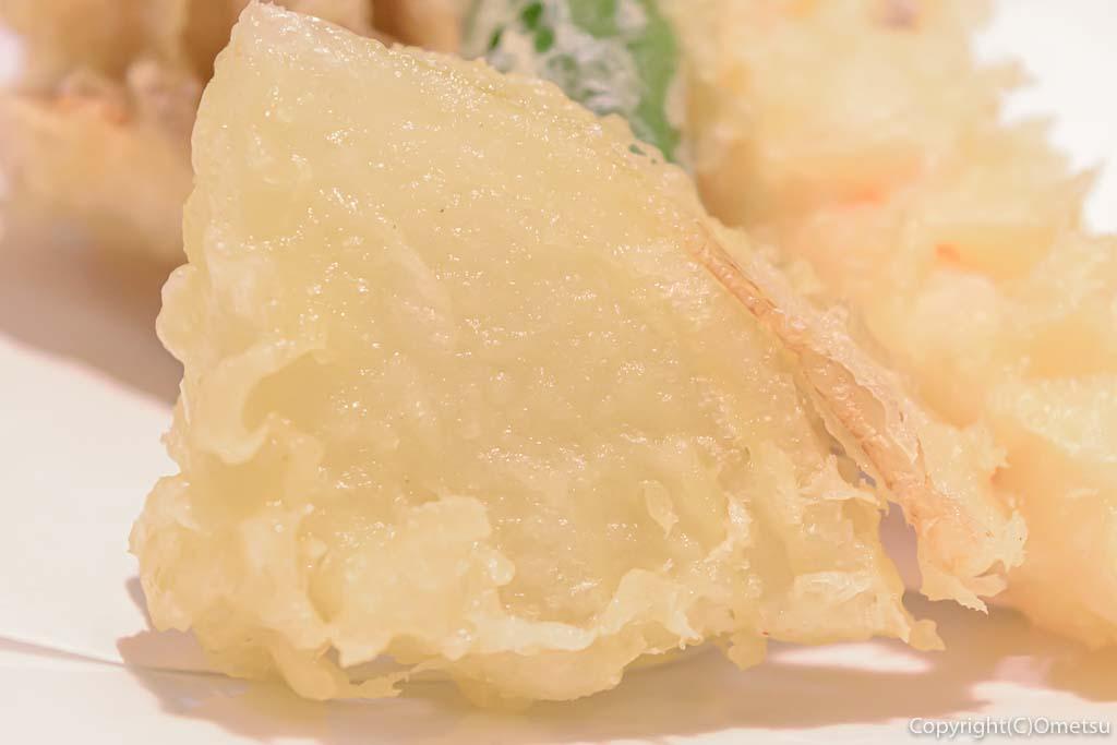 蕎麦ダイニング克の、タマネギの天ぷら