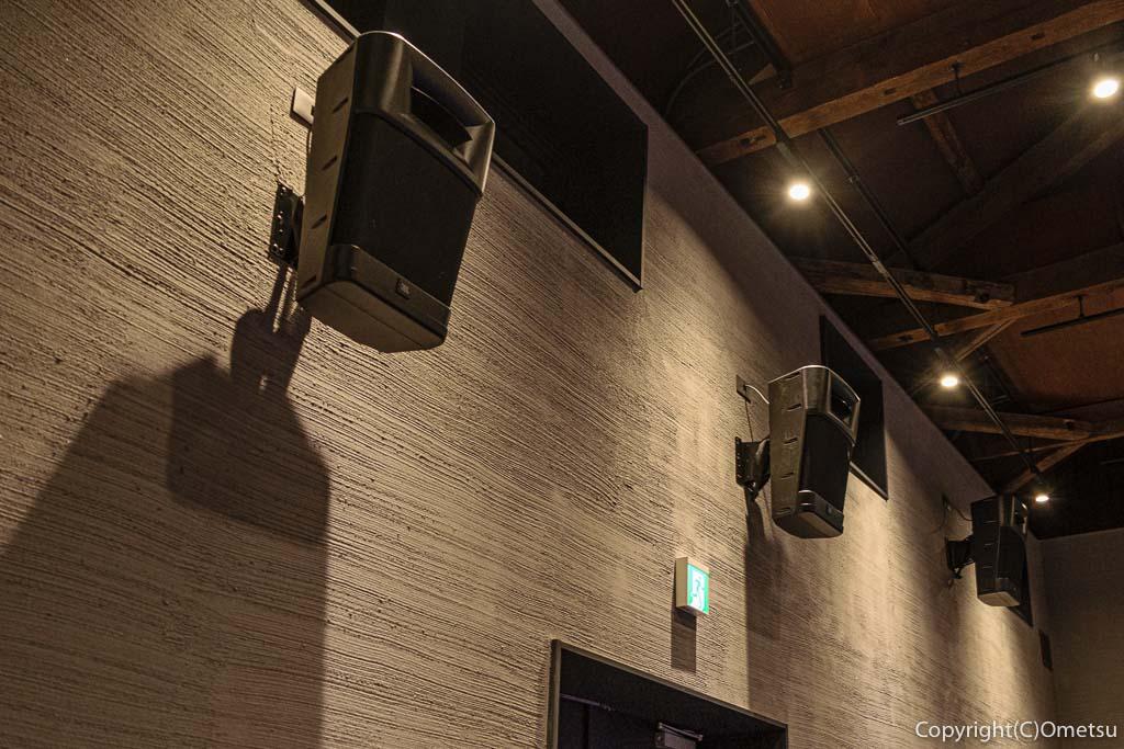 青梅市の有形文化財建築物の映画館・シネマネコのドルビーサラウンド