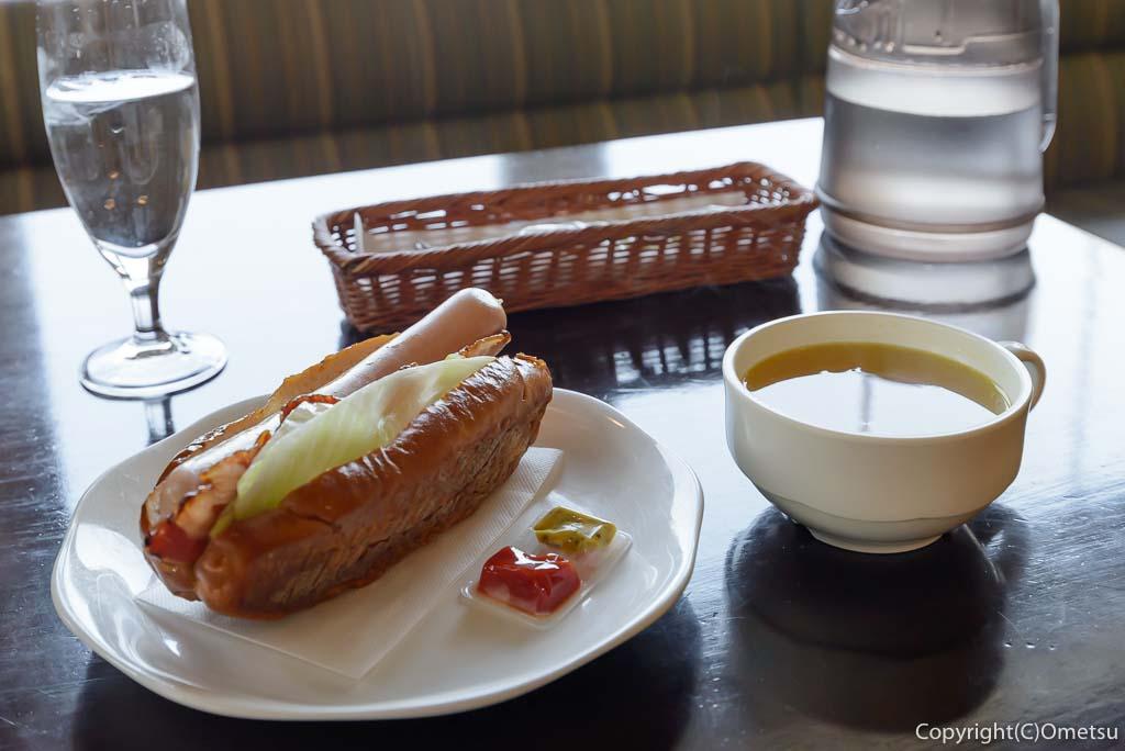 福生市・大多摩ハムのレストラン、シュトゥーベン・オータマの、福生ドッグセット